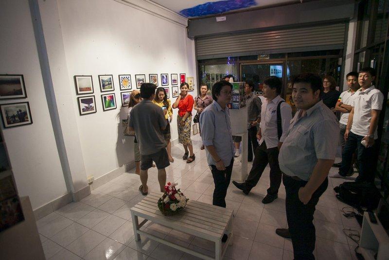 iCat Gallery