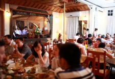 Kualao Restaurant. Serving authentic Lao food since 1994