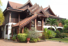 (802) Amazing Lao House With Large Yard (Vientiane)