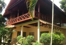 (815) Nice Riverside Home (Vientiane, Laos)
